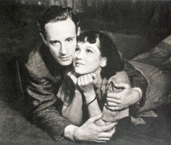 Leslie Howard and Peggy Conklin in the stage version of the Petrified Forest