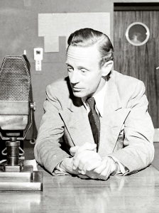 Leslie Howard broadcasting Britain Speaks, 1940