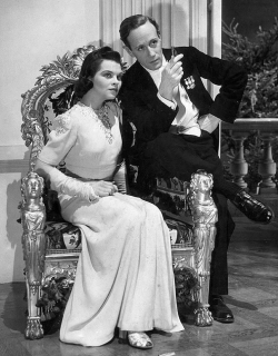 Mary Morris and Leslie Howard in Pimpernel Smith, 1941