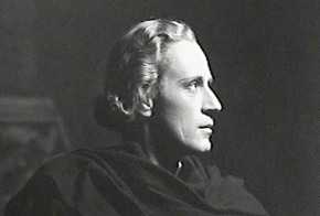 Leslie Howard in Hamlet, 1936