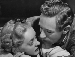 Bette Davis and Leslie Howard in the film version of The Petrified Forest