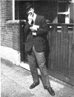 Leslie Howard in Bookworms