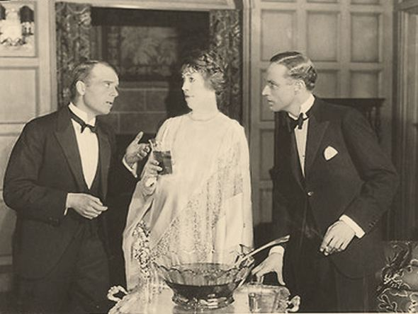 Leslie Howard, Lionel Watts and Edna May Oliver in Isabel, 1925
