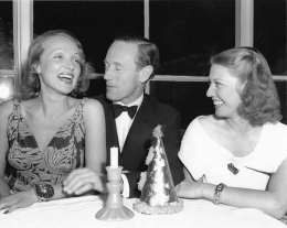 Marlene Dietrich, Leslie Howard, Violette Cunnington