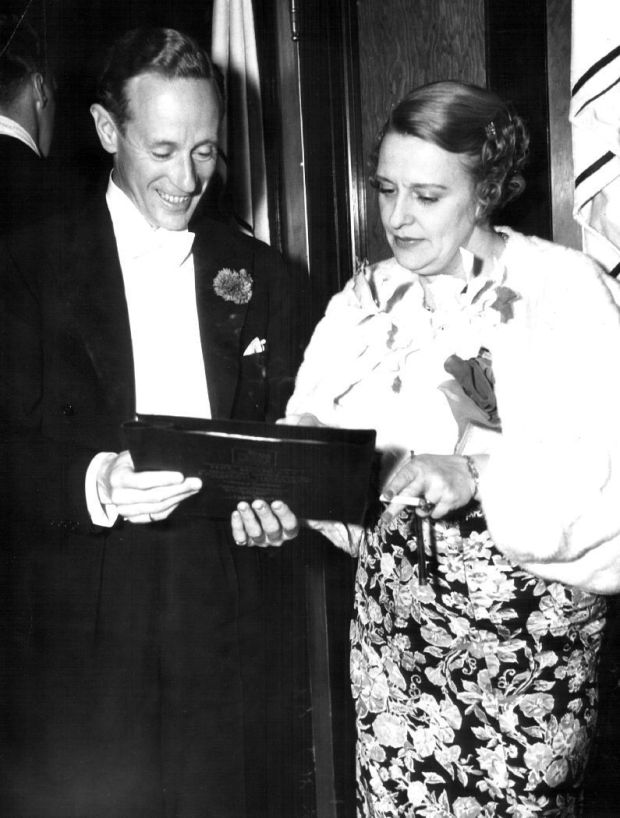 Leslie Howard, Ruth Howard