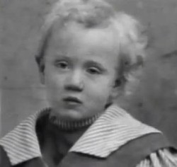 Leslie Howard as a child. 1895 ca.