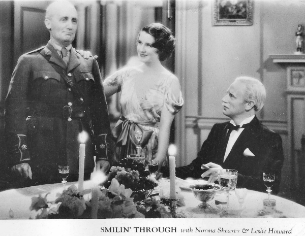 Leslie Howard and Norma Shearer in Smilin' Through