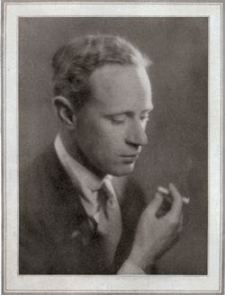 Leslie Howard, 1927