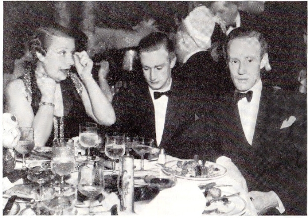 Leslie Howard with his wife Ruth and his son Ronald