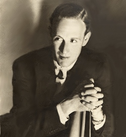 Leslie Howard, 1933