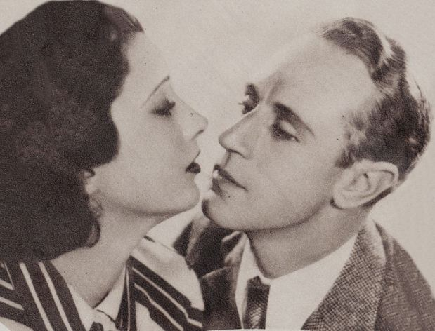 Leslie Howard in British Agent