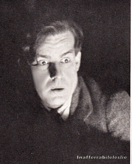 Alfred Lunt as Tom Prior