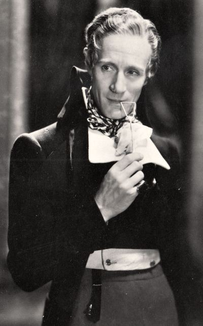 Leslie Howard as Percy Blakeney