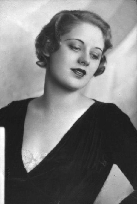 Lora Baxter