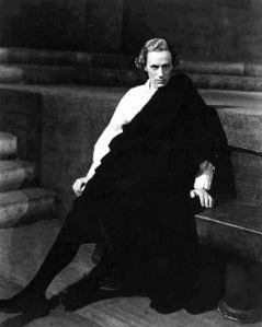 Leslie Howard as Hamlet