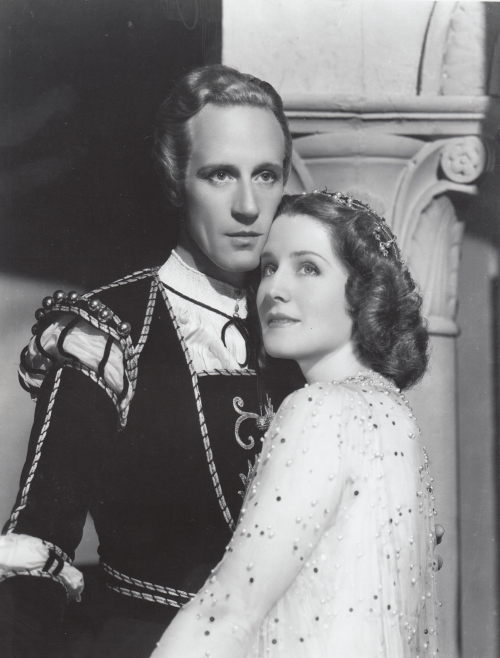 The most beautiful love story in the world is screened, Norma Shearer and Leslie Howard, as